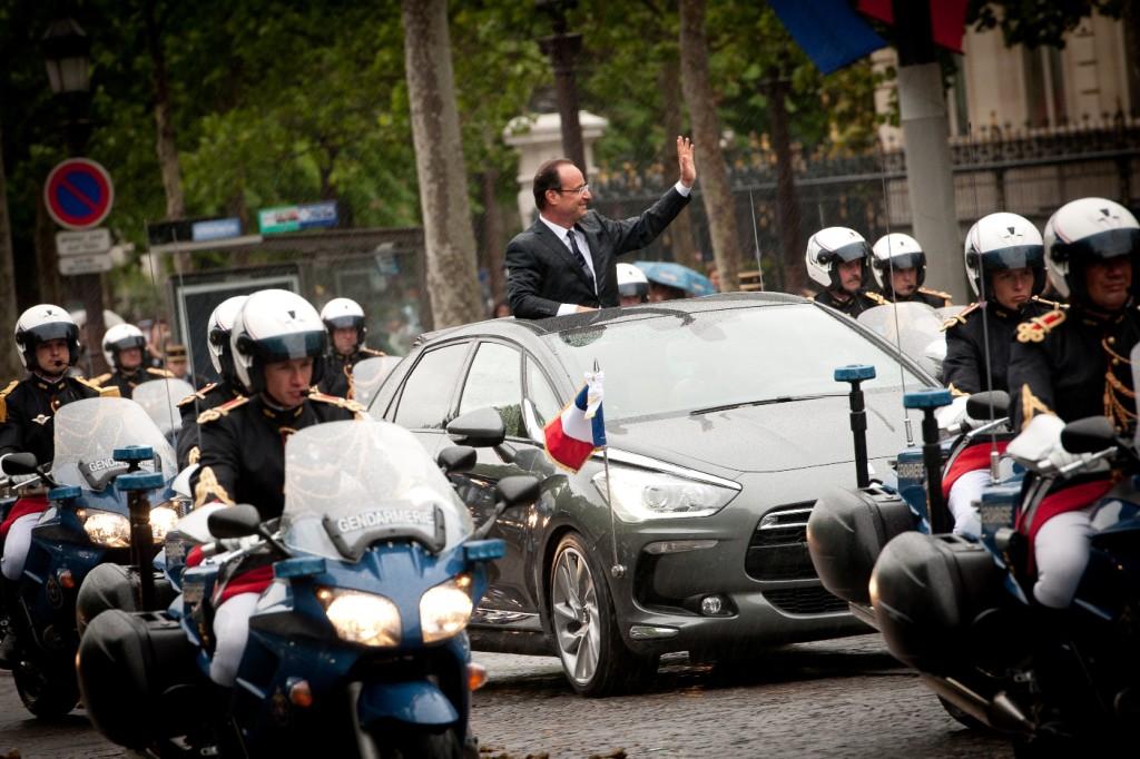 aHollande_DS5_Champs-Elysées
