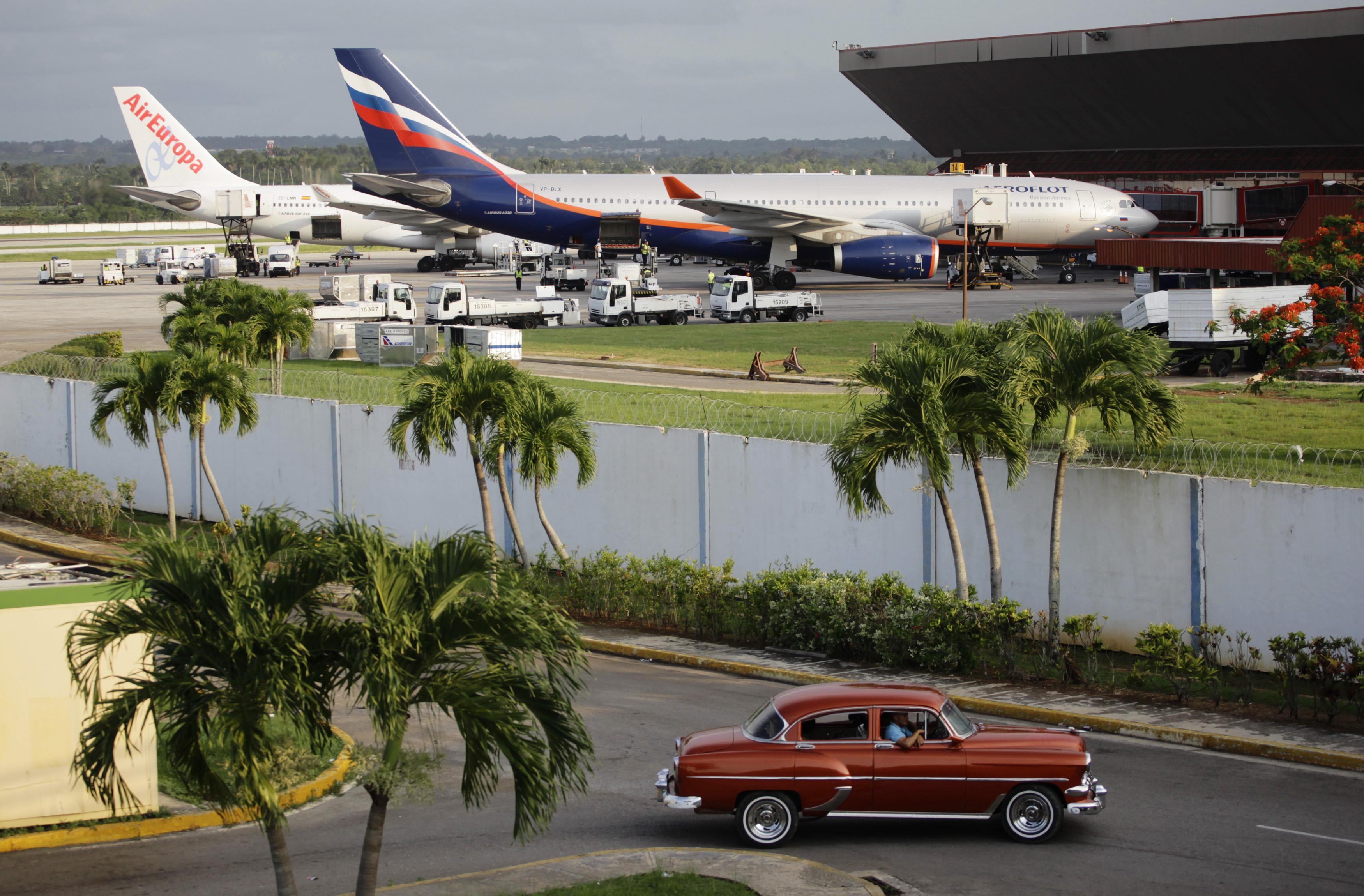 Aeroporto Jose Marti : A tangled web archive the aeroflot aircraft for